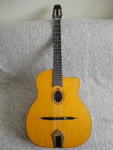 guitare-de-luthier-guitare-manouche-1